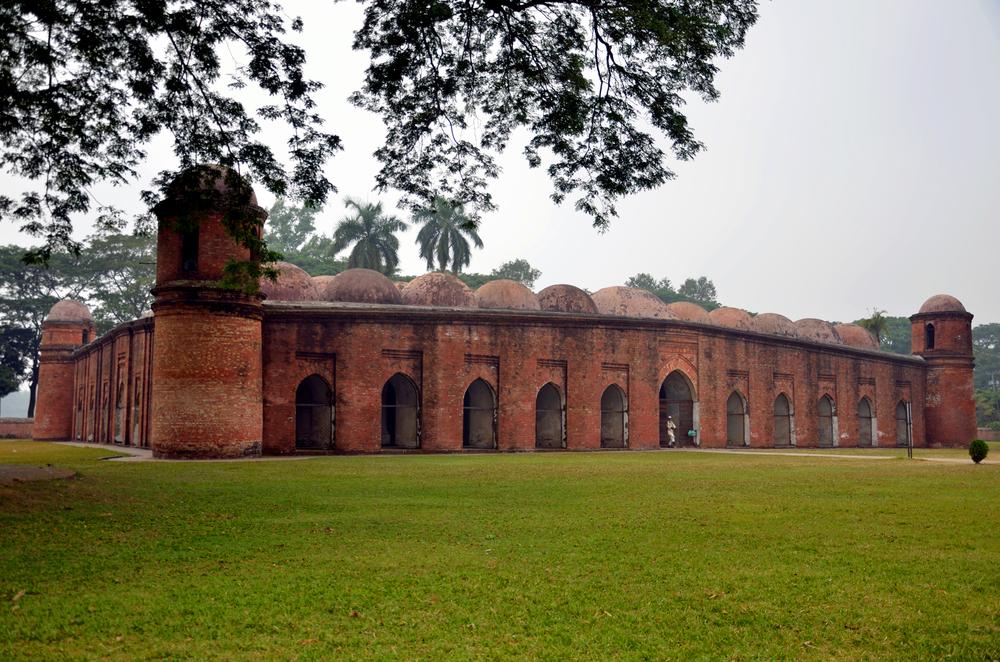 Shat-Gombuj-Masjid